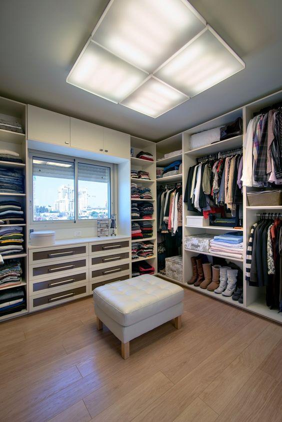 Giyinme Odanız Var mı?