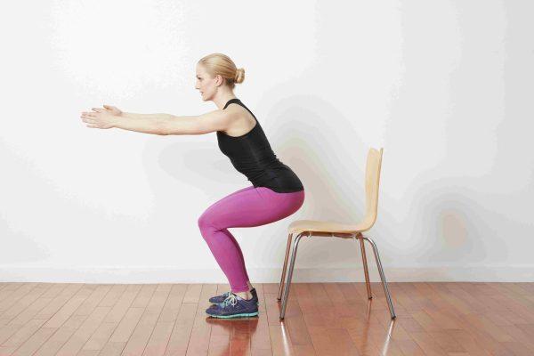 Göbek Eritmek İçin Sandalye Egzersizleri