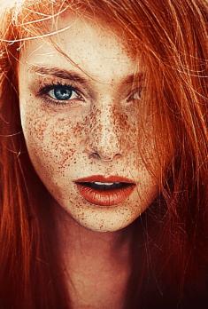 Kızıl Saç İçin Makyaj Önerileri
