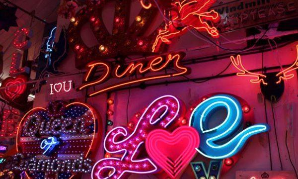 Neon Renkler ile Dekorasyon