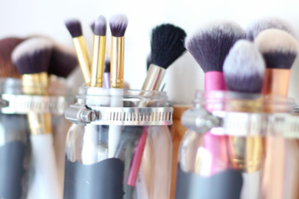 Paylaşmamanız Gereken Kozmetik Ürünler