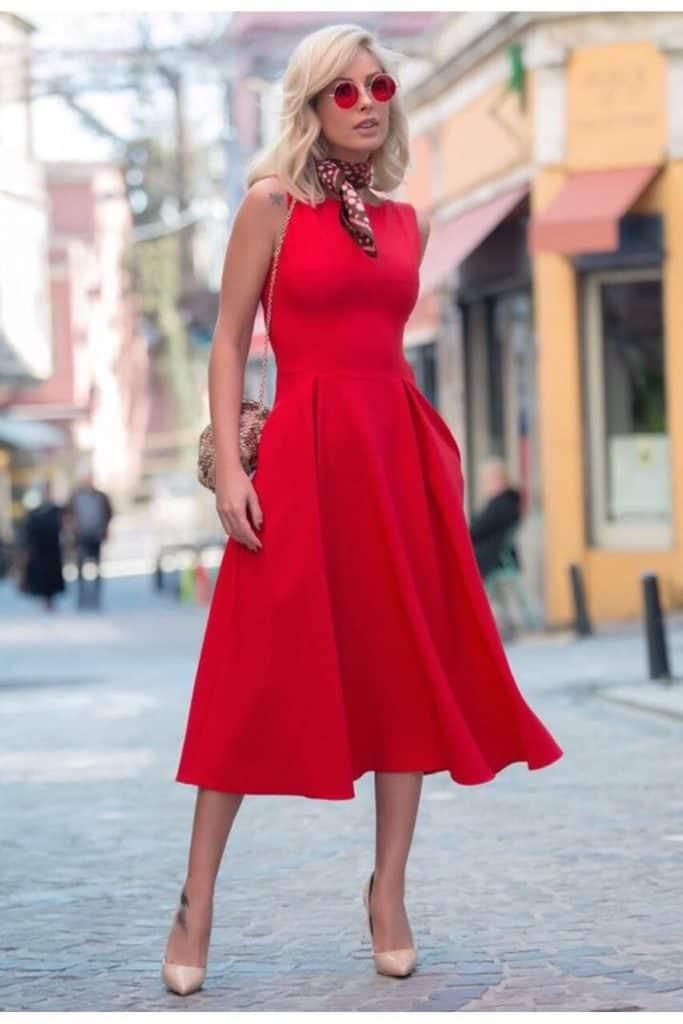 Rüyada Kırmızı Elbise