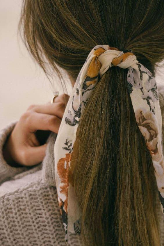 Saç Fularlarıyla Kombininize Hareket Katın