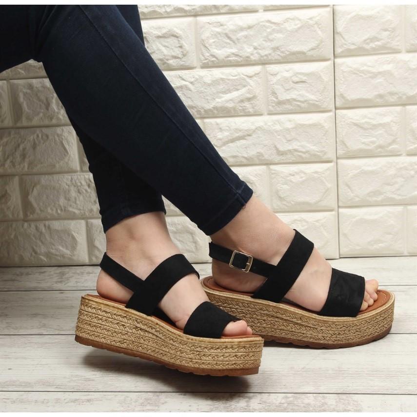 Yaz İçin Terlik ve Sandalet Önerileri